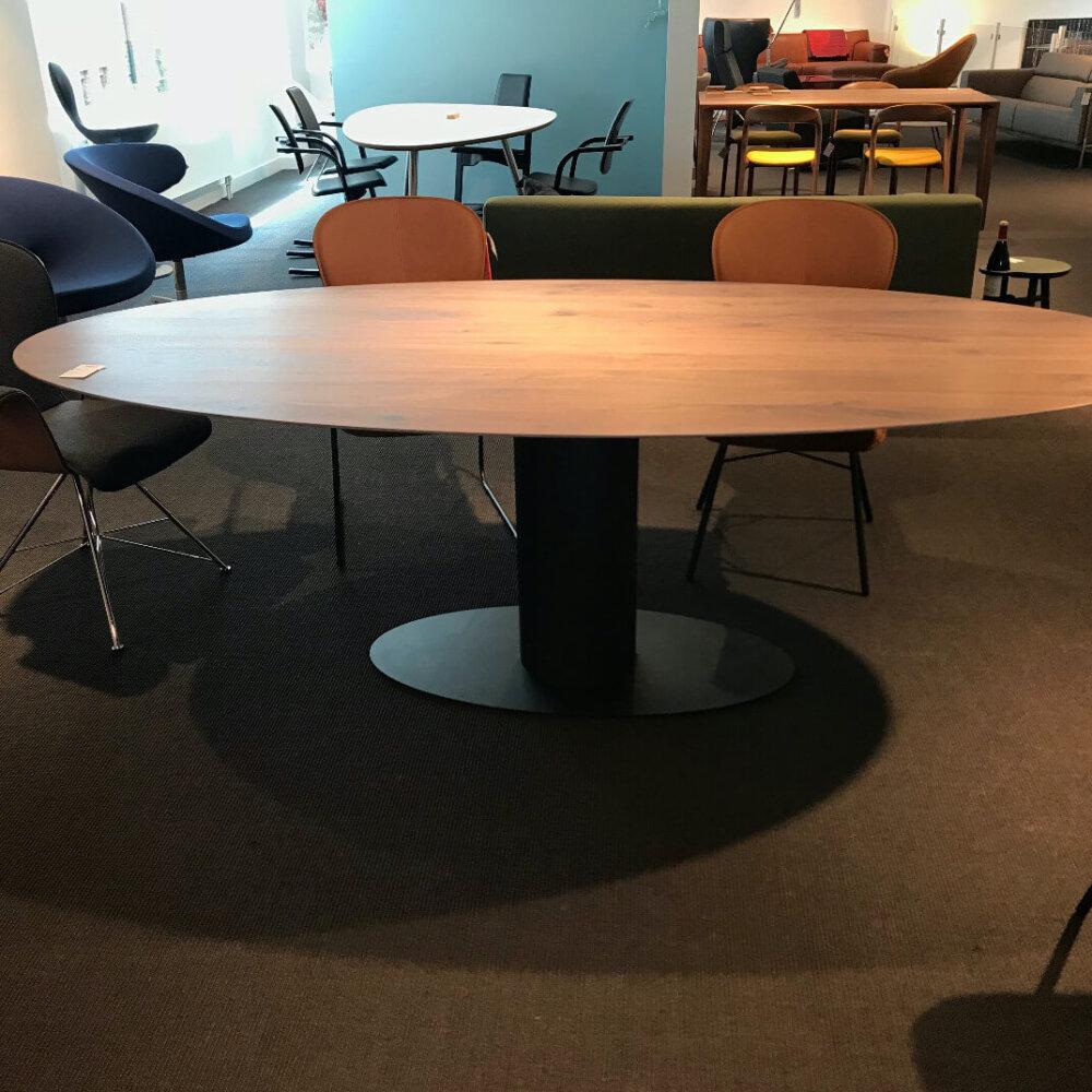 Bert Plantagie Oval Eetkamertafel Showroom Voor
