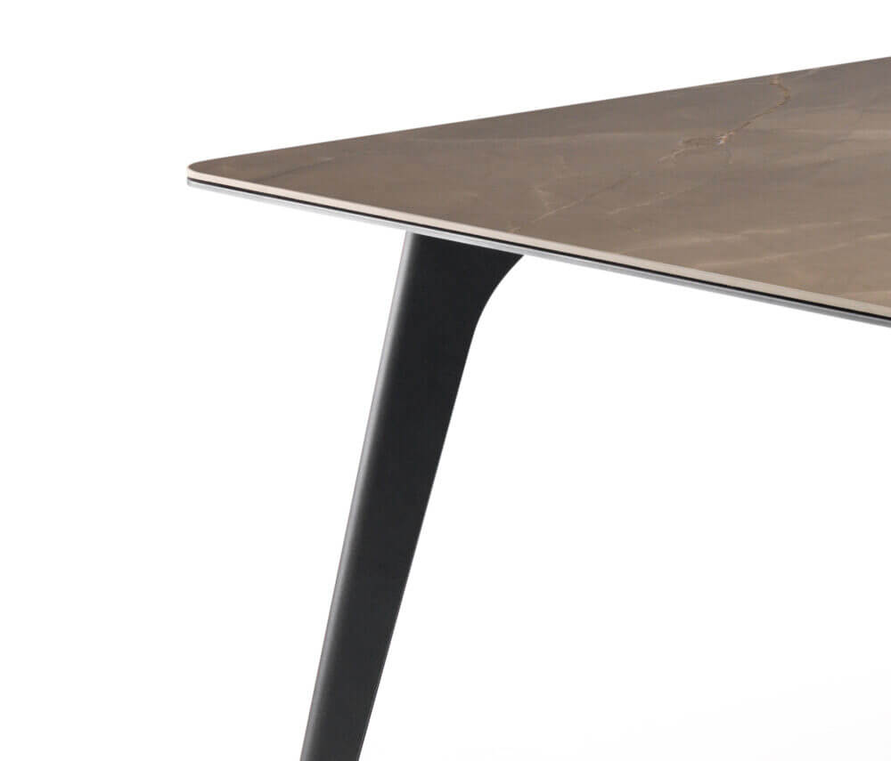 Pode Table Hux 05 Arcit18 Scaled