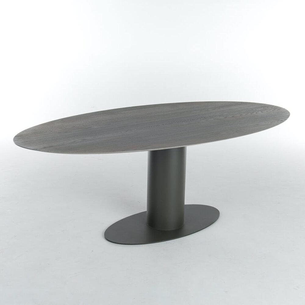 Oval 4 Studio